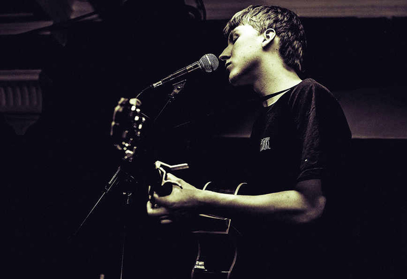 Deadbolt Live hosts Luke Rainsford I Feel At Home With You Manchester date - Red Cardinal Music
